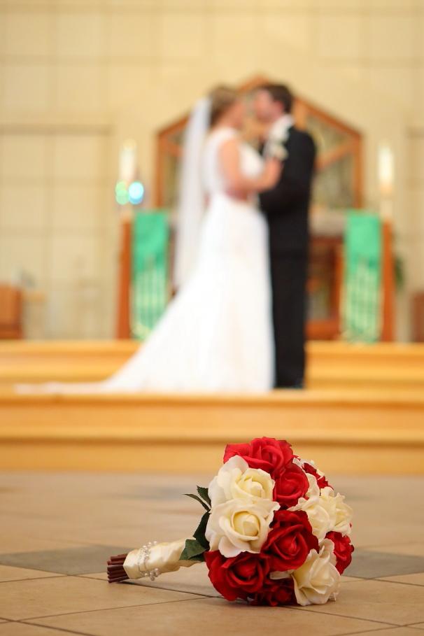 IMAGE: http://marshallphotographyks.com/wp-content/uploads/2013/08/Wichita_Wedding_St-Elizabeth_521.jpg