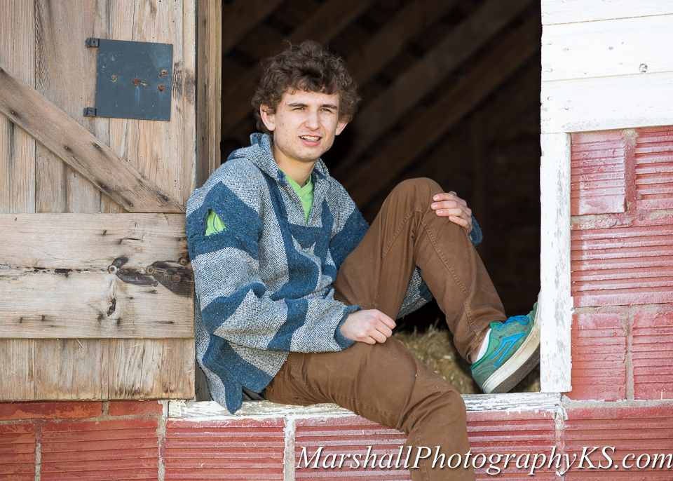 wichita senior photos farm drake-2