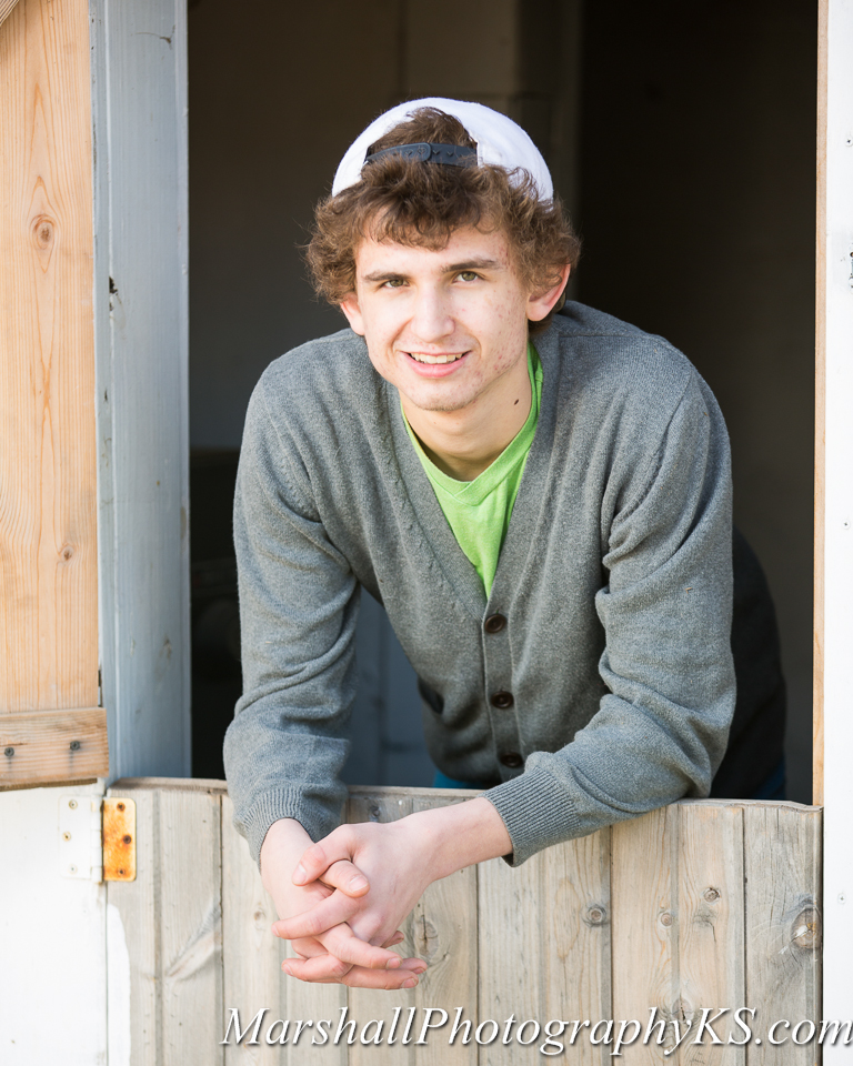 wichita senior photos farm drake-5
